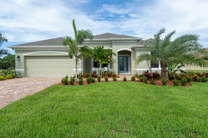358 SW Vista Lake DR Port St. Lucie, FL 34953