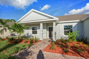 483 SW Vista Lake DR Port St. Lucie, FL 34953